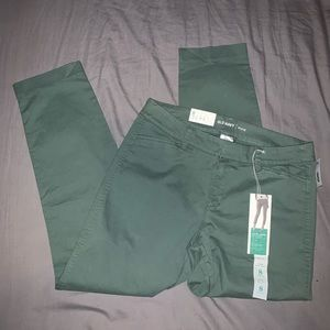 Old navy green ankle length pixie pants